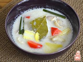 鶏肉入りココナッツミルクスープ(トムカーガイ)【エスニック特集|スープレシピ】