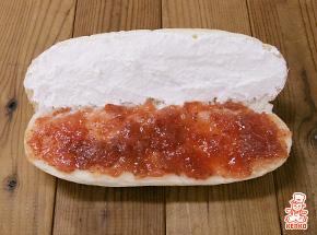 いちごジャム&ヨーグルトクリームのコッペパン