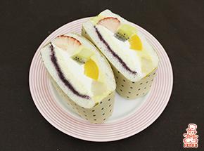 ビッグカットフルーツ&ヨーグルトクリーム