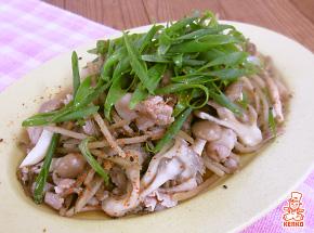 きのこと豚肉の甘辛炒め煮【料理レシピ】